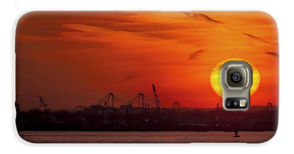 Airplanes Galaxy S6 Case - Sunset: New York Harbor by Michael Castellano