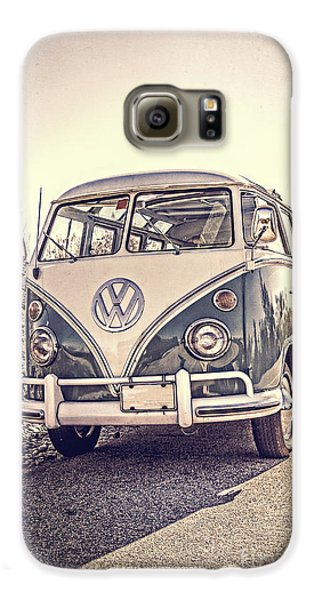 Surfer's Vintage Vw Samba Bus At The Beach Galaxy S6 Case
