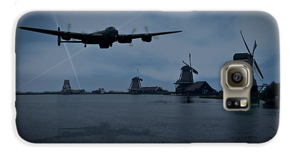 Dambusters Lancaster T For Tommy En Route To The Sorpe Galaxy S6 Case by Gary Eason
