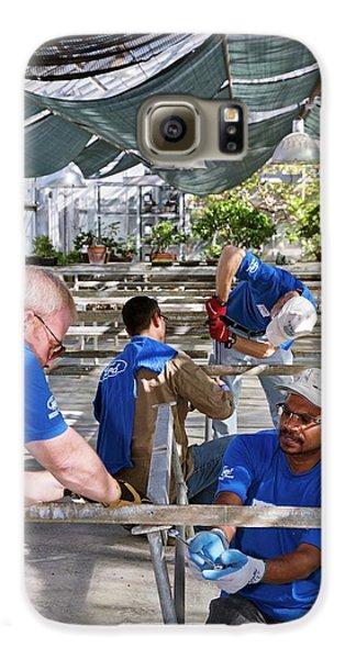 Volunteers At A Botanic Garden Galaxy S6 Case