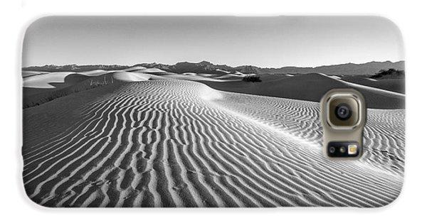 Desert Galaxy S6 Case - Waves In The Distance by Jon Glaser