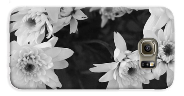 Daisy Galaxy S6 Case - White Flowers- Black And White Photography by Linda Woods