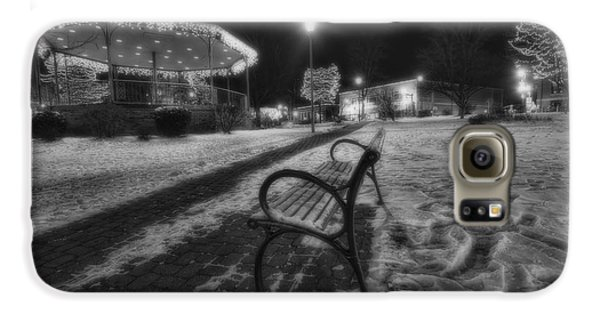 Woodstock Square Xmas Eve Nite Galaxy S6 Case by Sven Brogren