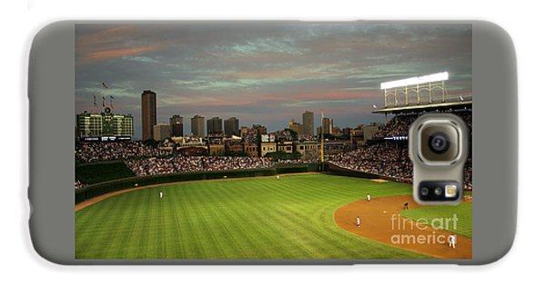 Wrigley Field Galaxy S6 Case - Wrigley Field At Dusk by John Gaffen