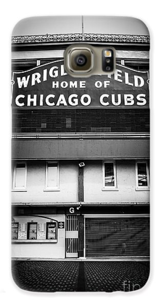 Wrigley Field Chicago Cubs Sign In Black And White Galaxy S6 Case by Paul Velgos