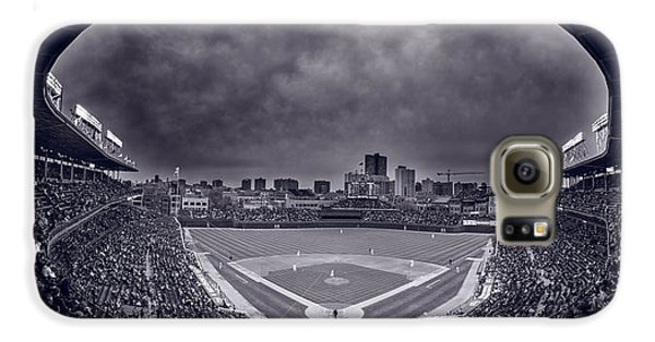 Wrigley Field Galaxy S6 Case - Wrigley Field Night Game Chicago Bw by Steve Gadomski