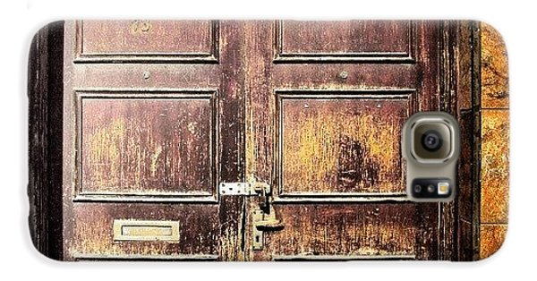 House Galaxy S6 Case - Random Door In Liverpool Streets by Abdelrahman Alawwad