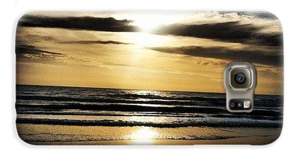 Bright Galaxy S6 Case - Sunrise On The Beach by Lea Ward