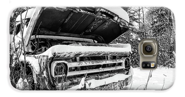 Old Abandoned Pickup Truck In The Snow Galaxy S6 Case