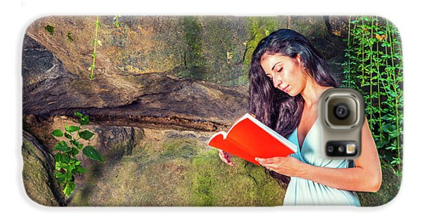 Young American Woman Reading Book At Central Park, New York, In  Galaxy S6 Case