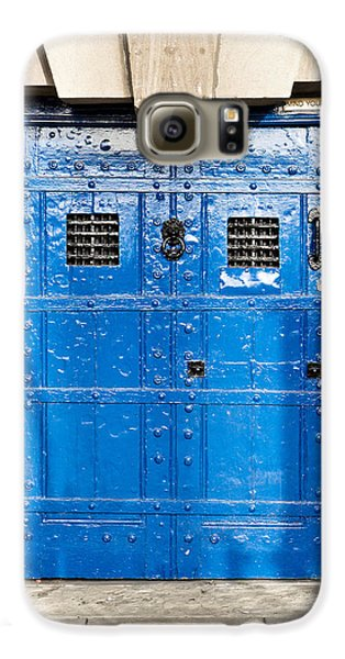 Dungeon Galaxy S6 Case - Old Blue Door by Tom Gowanlock