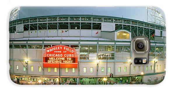 Wrigley Field Galaxy S6 Case - High Angle View Of Tourists by Panoramic Images