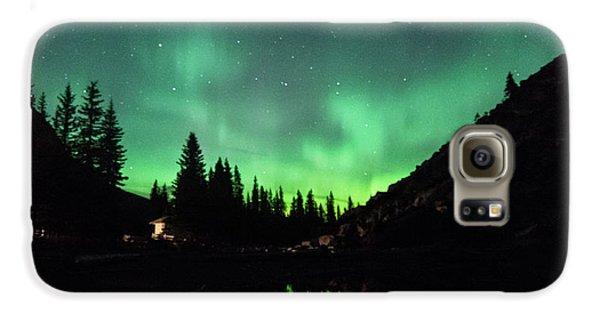 Aurora On Moraine Lake Galaxy S6 Case by Alex Lapidus