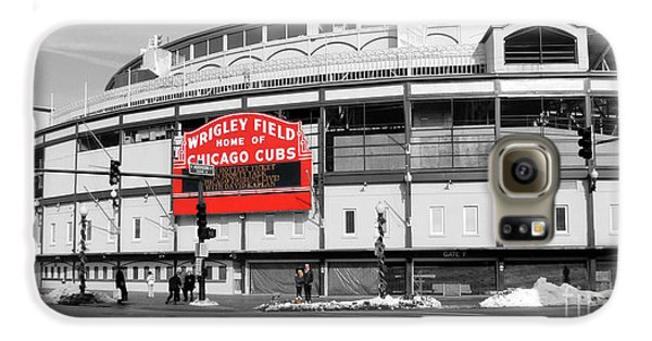 Wrigley Field Galaxy S6 Case - B-w Wrigley 100 Years Young by David Bearden