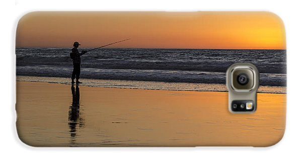 Beach Fishing At Sunset Galaxy S6 Case