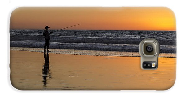 Beach Fishing At Sunset Galaxy S6 Case