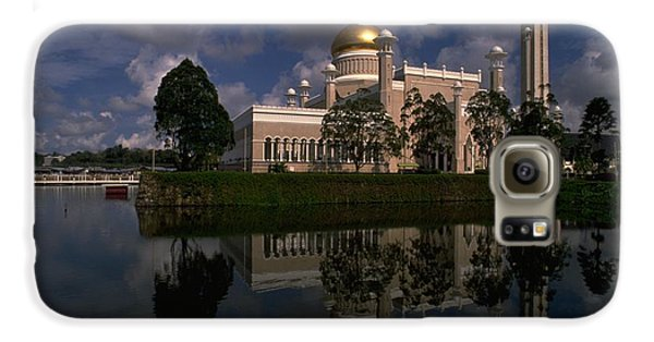 Brunei Mosque Galaxy S6 Case by Travel Pics