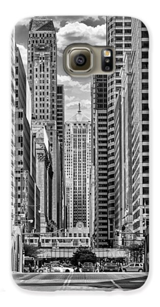 Galaxy S6 Case featuring the photograph Chicago Lasalle Street Black And White by Christopher Arndt