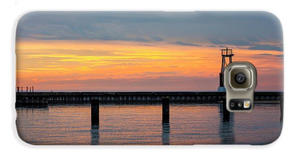 Galaxy S6 Case featuring the photograph Chicago Sunrise At North Ave. Beach by Adam Romanowicz