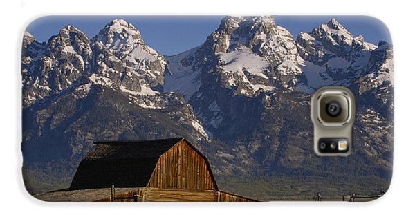 Mountain Galaxy S6 Case - Cunningham Cabin In Front Of Grand by Pete Oxford