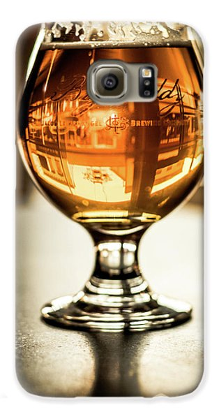 Downtown Waukesha Through A Glass Of Beer At Bernie's Taproom Galaxy S6 Case