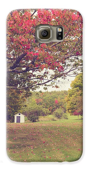 Fall Foliage And Old New England Shed Galaxy S6 Case by Edward Fielding