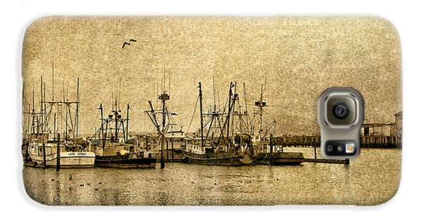 Fishing Boats Columbia River In Sepia Galaxy S6 Case
