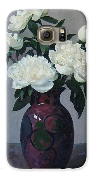 Five White Peonies In Purple Vase Galaxy S6 Case
