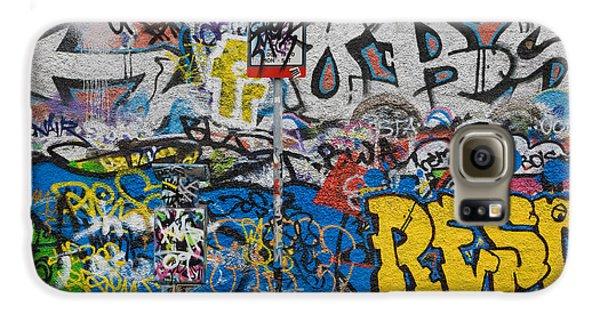 Grafitti On The U2 Wall, Windmill Lane Galaxy S6 Case by Panoramic Images