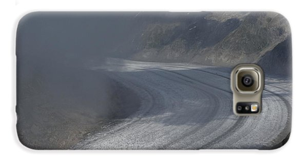 Great Aletsch Glacier In The Clouds. Canton Of Valais, Switzerland. Galaxy S6 Case