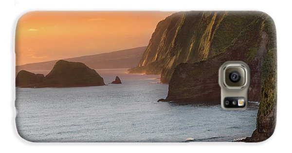 Helicopter Galaxy S6 Case - Hawaii Sunrise At The Pololu Valley Lookout 2 by Larry Marshall