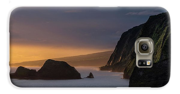 Helicopter Galaxy S6 Case - Hawaii Sunrise At The Pololu Valley Lookout by Larry Marshall