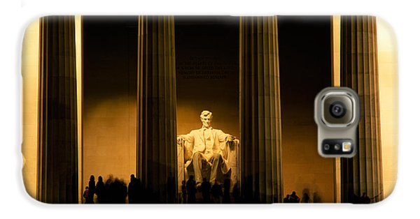 Lincoln Memorial Illuminated At Night Galaxy S6 Case by Panoramic Images