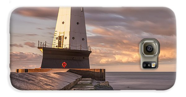 Galaxy S6 Case featuring the photograph Ludington North Breakwater Light At Dawn by Adam Romanowicz