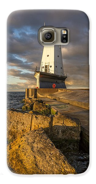Galaxy S6 Case featuring the photograph Ludington North Breakwater Lighthouse At Sunrise by Adam Romanowicz