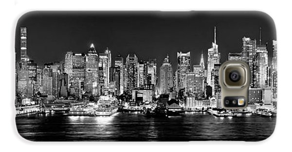 New York City Skyline Galaxy S6 Case - New York City Nyc Skyline Midtown Manhattan At Night Black And White by Jon Holiday