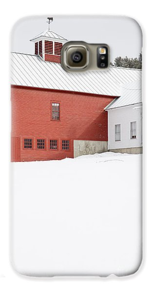Old Traditional New England Farm In Winter Galaxy S6 Case by Edward Fielding