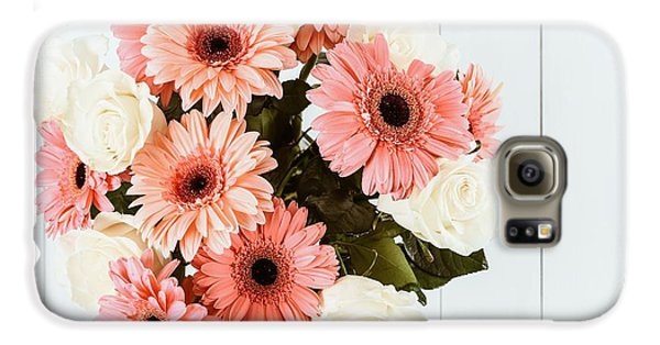 Pink Gerbera Daisy Flowers And White Roses Bouquet Galaxy S6 Case by Radu Bercan