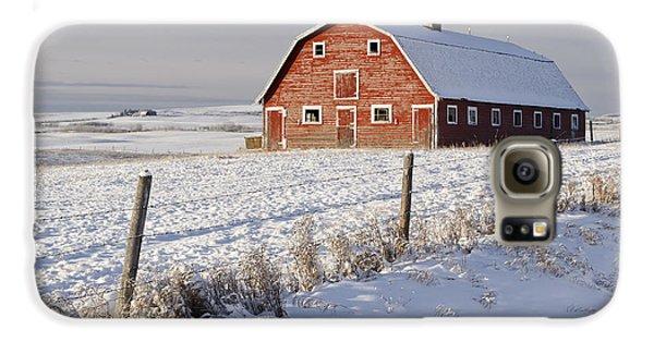 Red Barn In Winter Coat Galaxy S6 Case