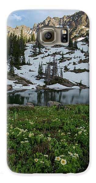 Galaxy S6 Case featuring the photograph Red Peak And Willow Lake by Aaron Spong