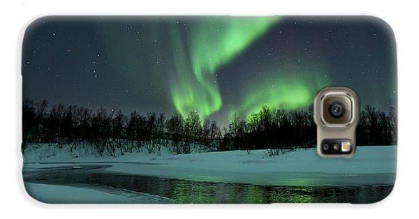 Landscapes Galaxy S6 Case - Reflected Aurora Over A Frozen Laksa by Arild Heitmann