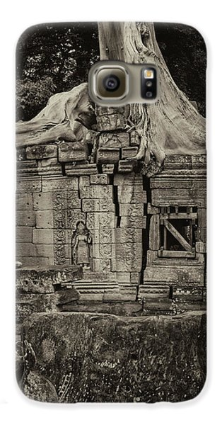 Galaxy S6 Case featuring the photograph Roots In Ruins 5, Ta Prohm, 2014 by Hitendra SINKAR