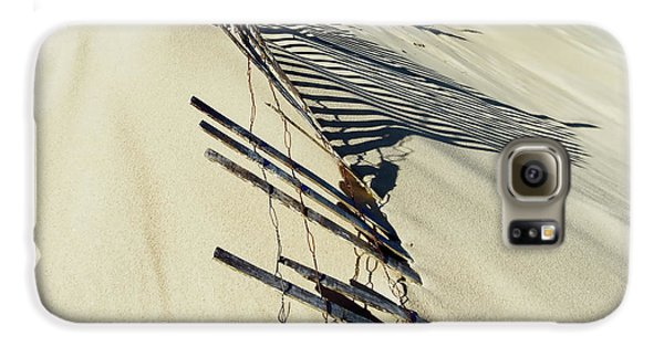 Sand Dune Fences And Shadows Galaxy S6 Case
