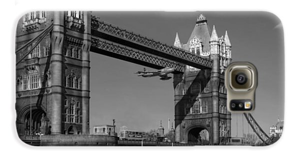 Galaxy S6 Case featuring the photograph Seven Seconds - The Tower Bridge Hawker Hunter Incident Bw Versio by Gary Eason