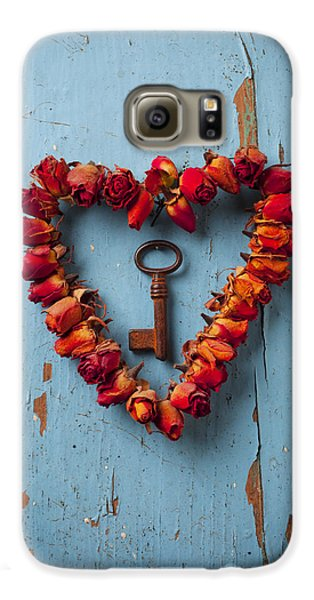 Rose Galaxy S6 Case - Small Rose Heart Wreath With Key by Garry Gay