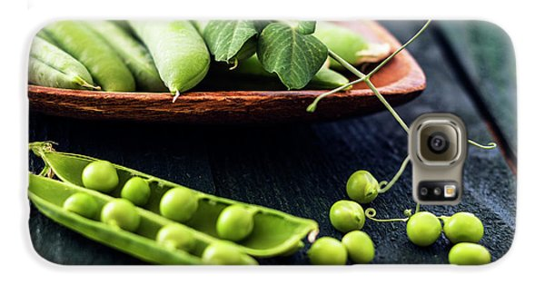 Snow Peas Or Green Peas Still Life Galaxy S6 Case by Vishwanath Bhat