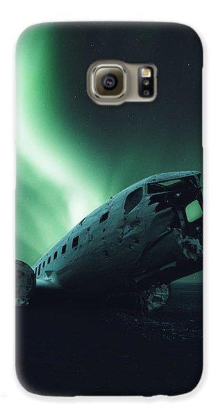 Airplanes Galaxy S6 Case - Solheimsandur Crash Site by Tor-Ivar Naess