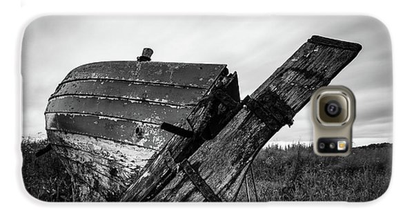 St Cyrus Wreck Galaxy S6 Case by Dave Bowman