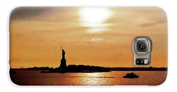 Statue Of Liberty At Sunset Galaxy S6 Case
