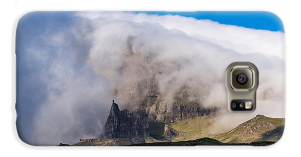 Galaxy S6 Case featuring the photograph Storr In Cloud by Gary Eason